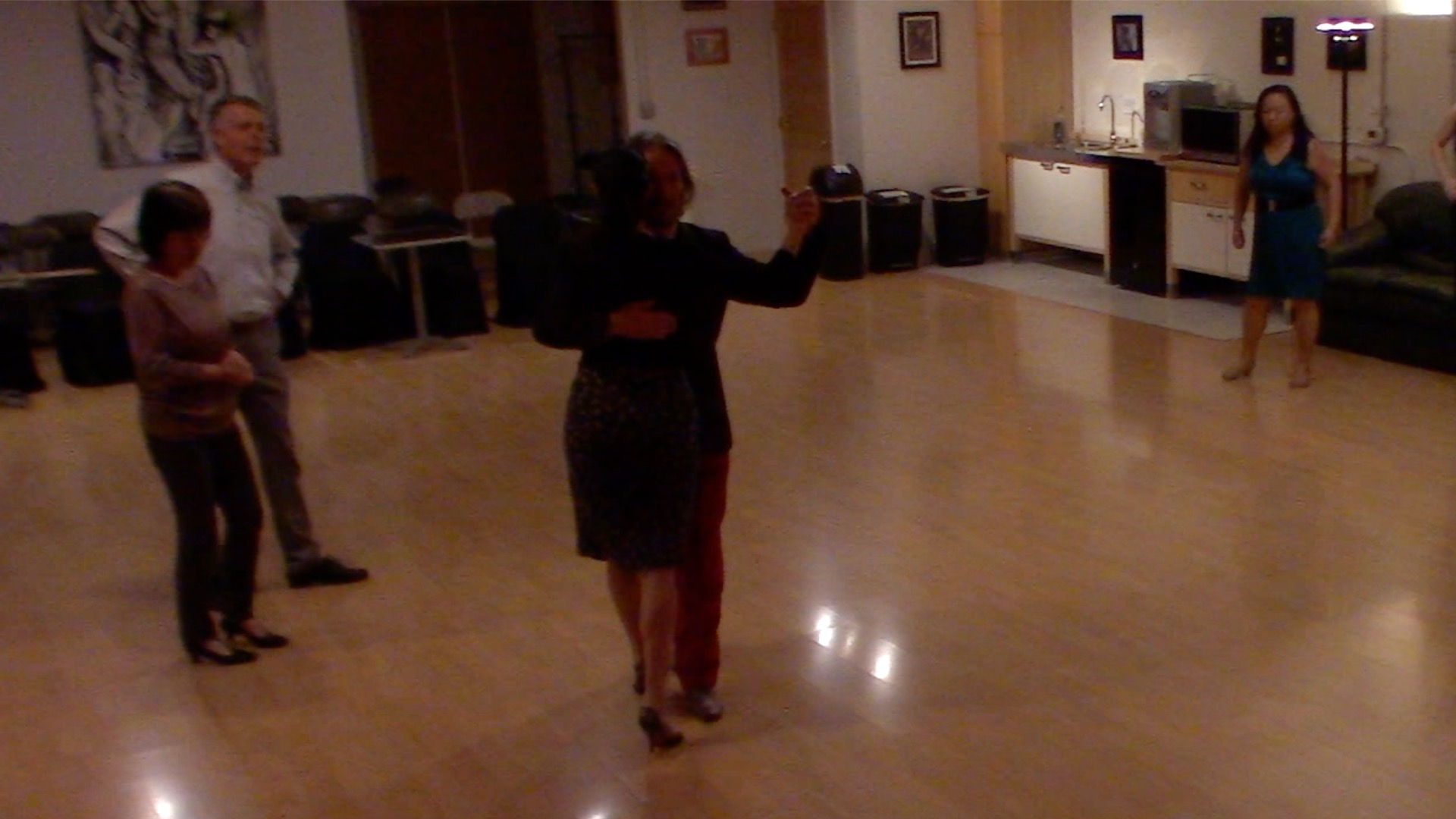 Argentine Tango beginner class with Miranda: walking
