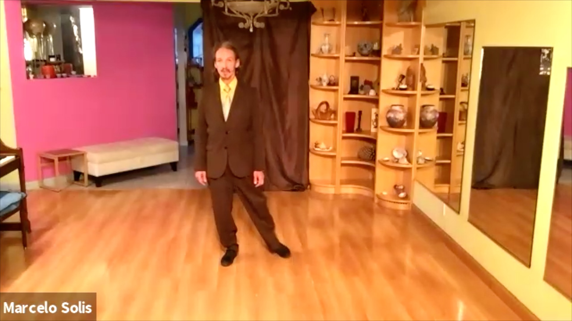 Argentine Tango class: walk, pendulum and circle exercise