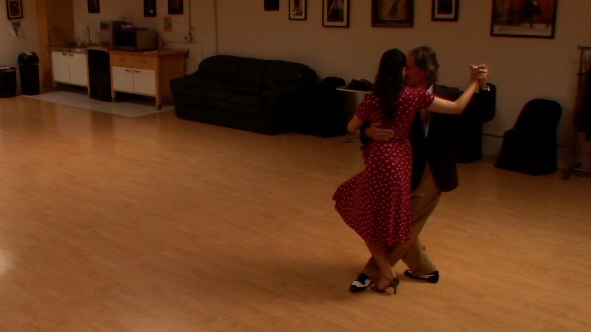 Argentine Tango dancing with Miranda Lindelow