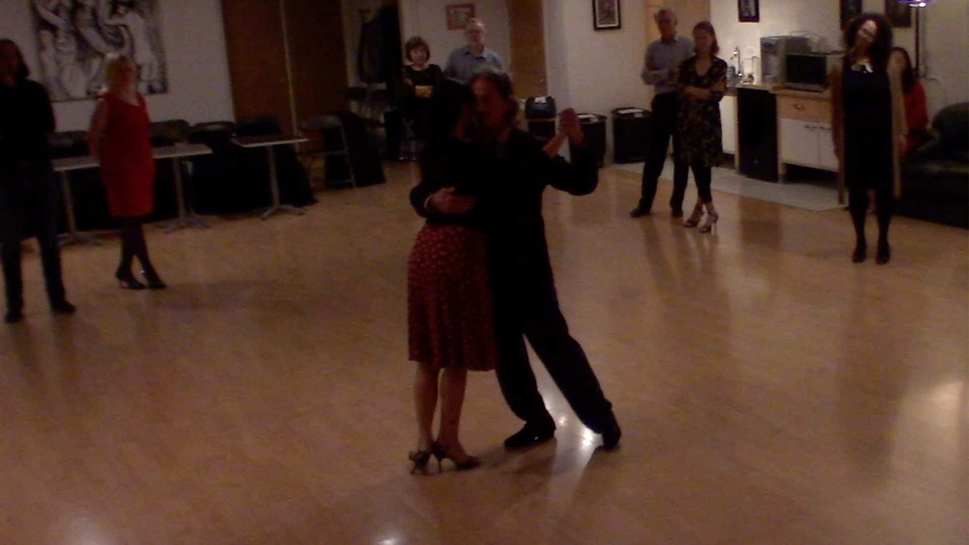 Argentine Tango dancing with Miranda: final review of our intermediate class