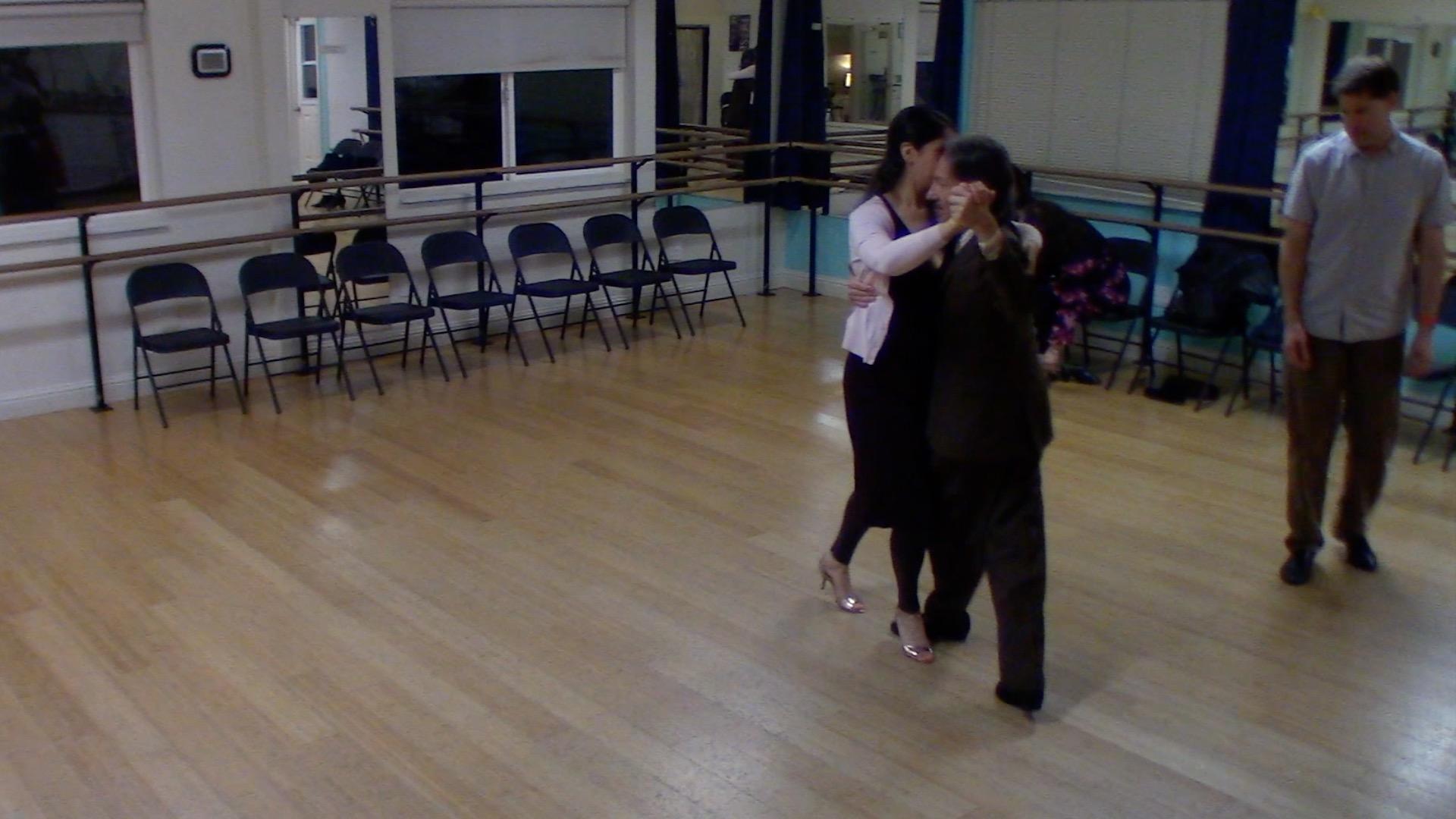 Argentine Tango intermediate class with Mimi: backward ocho variation 3
