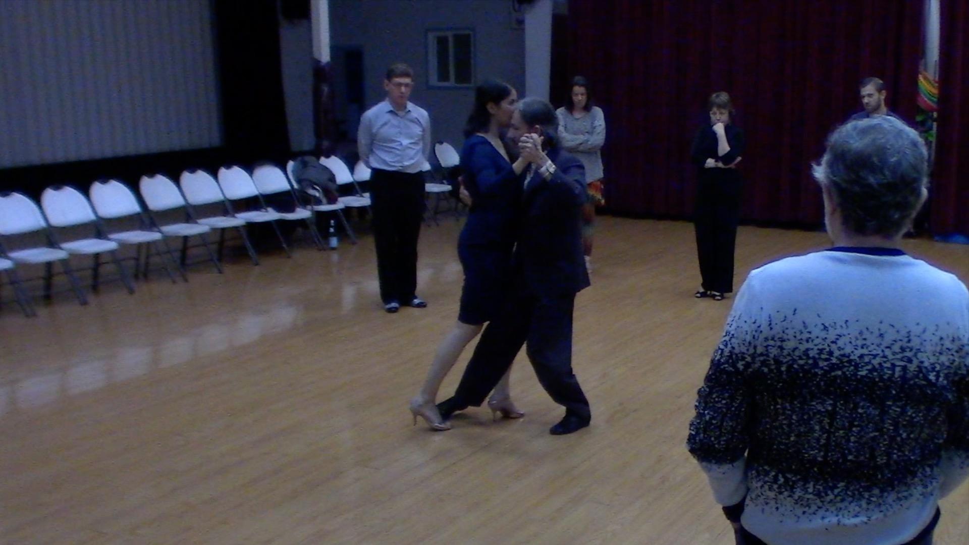 Argentine Tango intermediate class with Mimi: forward ochos, passing, calesita and barridas
