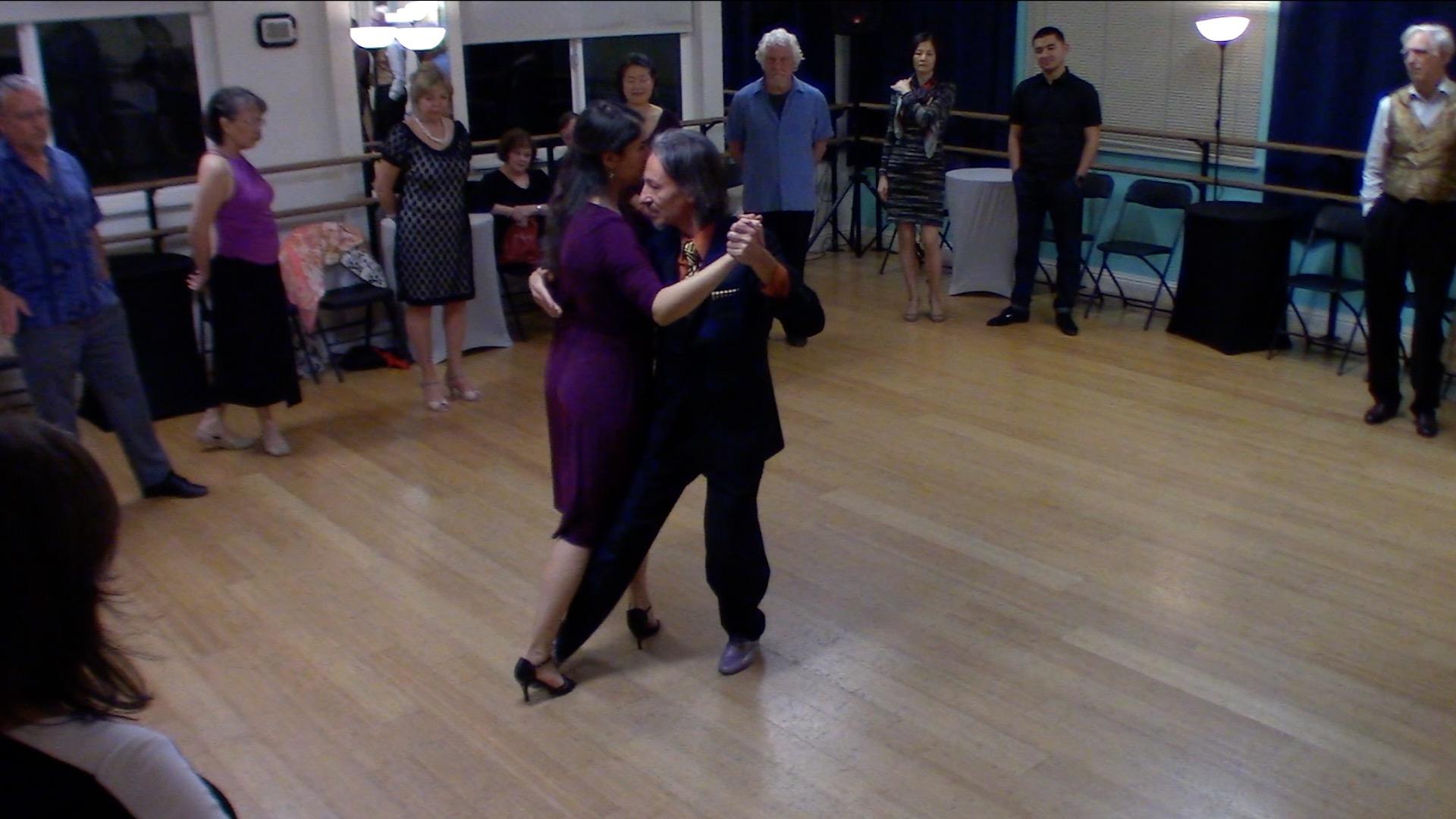 Argentine Tango intermediate class with Mimi: musicality dancing Di Sarli