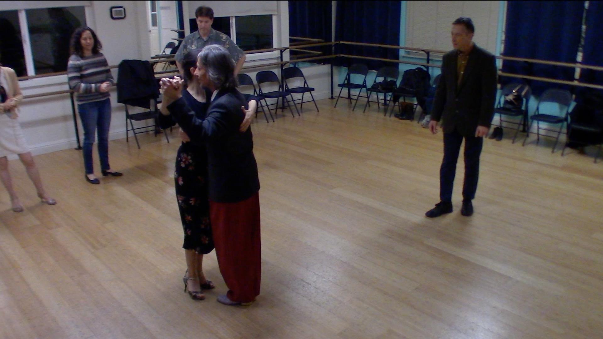 Argentine Tango intermediate class with Miranda: back ocho and turn alternative exit