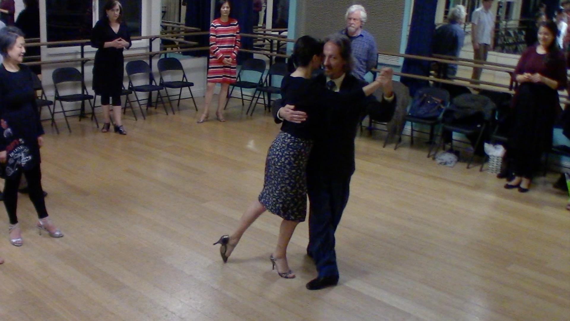 Argentine Tango intermediate class with Miranda: crossed salida alternative exit 3