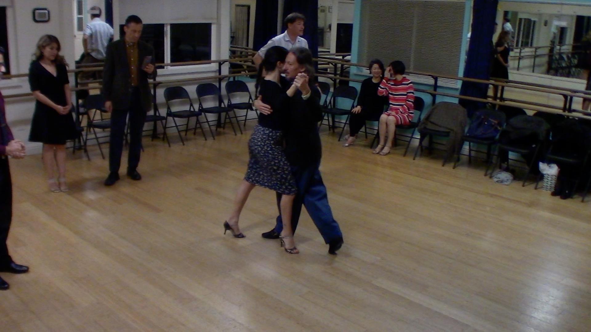 Argentine Tango intermediate class with Miranda: crossed salida alternative exit 5
