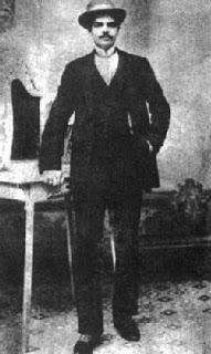 Eduardo Arolas at 18 (1910). Escuela de Tango de Buenos Aires. Argentina.