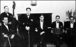 Cayetano Puglisi y su Sexteto. Argentine music at Escuela de Tango de Buenos Aires.