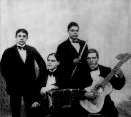 Cuarteto Arolas en 1912. Argentina. Escuela de Tango de Buenos Aires. History.