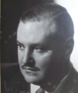 Luis César Amadori. Argentine music at Escuela de Tango de Buenos Aires.