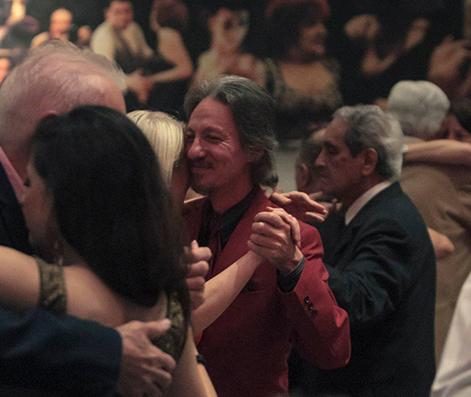 Marcelo Solis milongueando en Cachirulo con Blas Catrenau y otros milongueros