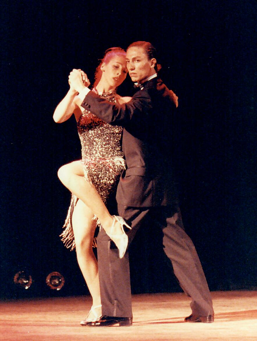 Marcelo Solis performing with Yanina 1994