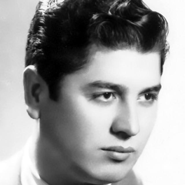 Raúl Berón, Argentine Tango singer.