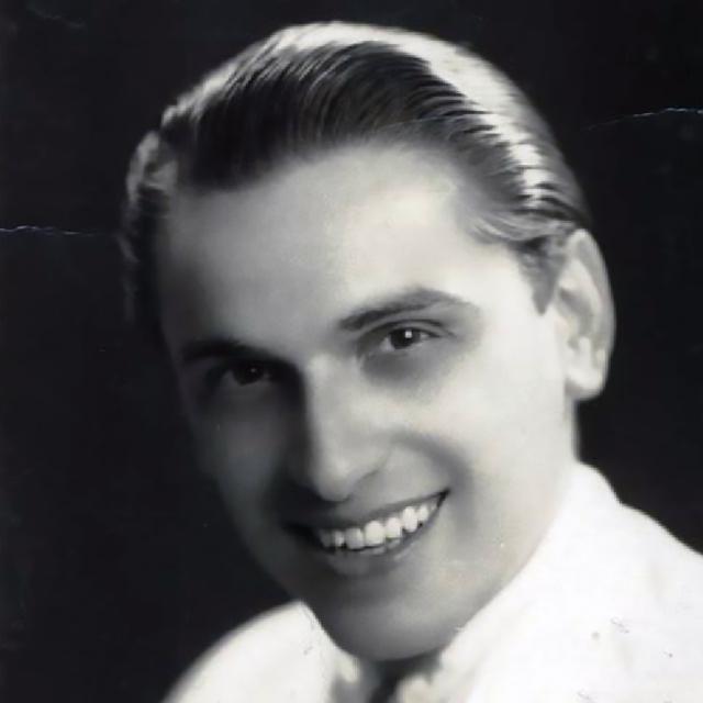 Romeo Gavioli, Argentine Tango singer and musician.