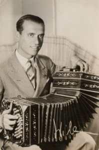 Pedro Laurenz. Argentine music at Escuela de Tango de Buenos Aires.