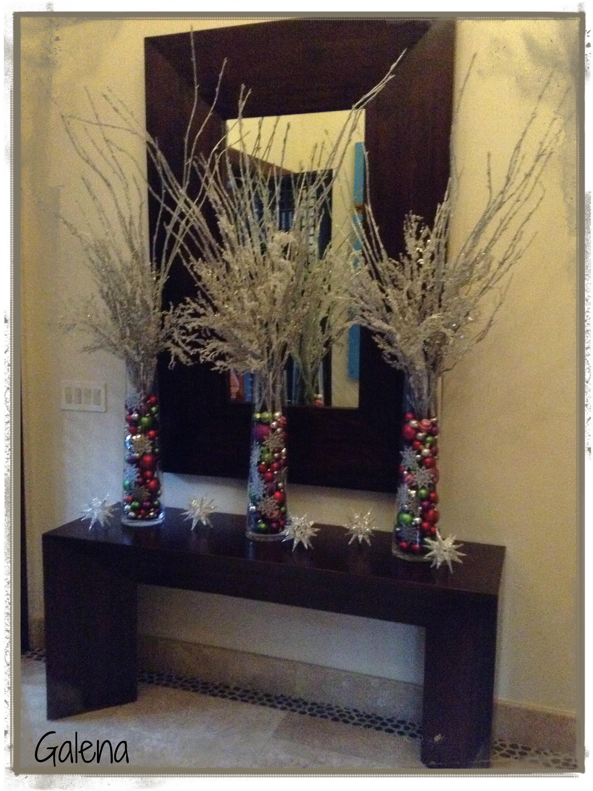 Cilindros con esferas para la entrada  Ana Galena