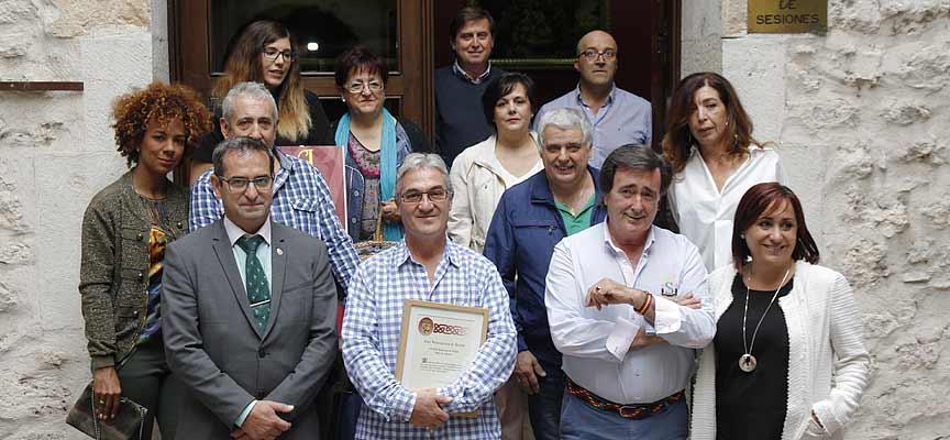 Premiados y autoridades tras la entrega de premios.