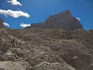 Discesa per il Lago Ghiacciato per salti di roccia