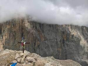 Croce di Vetta della Cima Ombreta Orientale (3011 m)