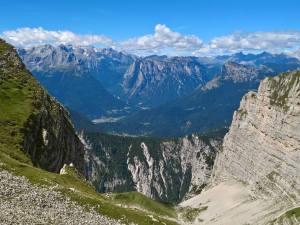Panorama verso l' Agordino dalla Forcella Dei Erbandoi