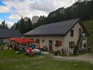 Sosta a Malga Di Pramper (1540 m)