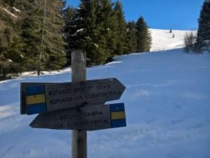 Bivio per il Rifugio Col Visentin (1764 m) e Rifugio Casera (1490m)