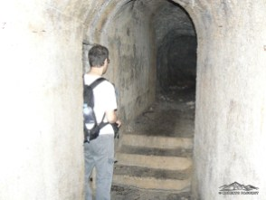 Riservetta o officina manutenzione all'interno del dedalo di gallerie