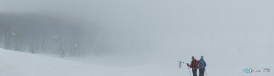 Vicino a Forcella Giais, dentro una tormenta di neve.
