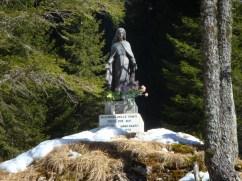 Madonnina presso la Sorgente (Foto di Roberto Pagurut)