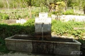 Antica fontana a Borgo di Mezzo