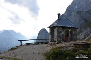 cappella votiva vicinanze rifugio Calvi.