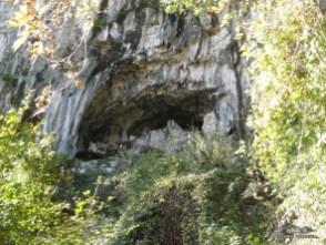 Anfratto vicino alla palestra di roccia