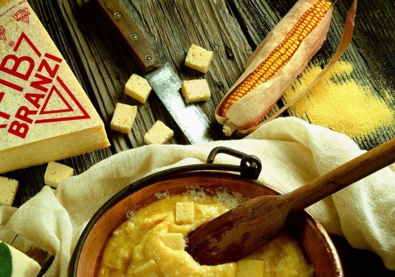 Gustare la Val Brembana in una ricetta: polenta taragna di Branzi