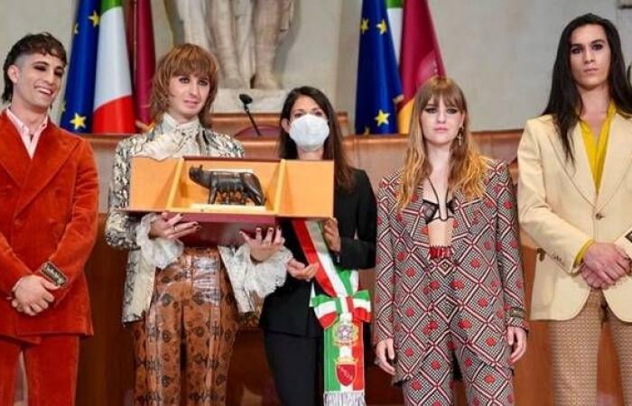 Måneskin honoured award by Mayor of Rome