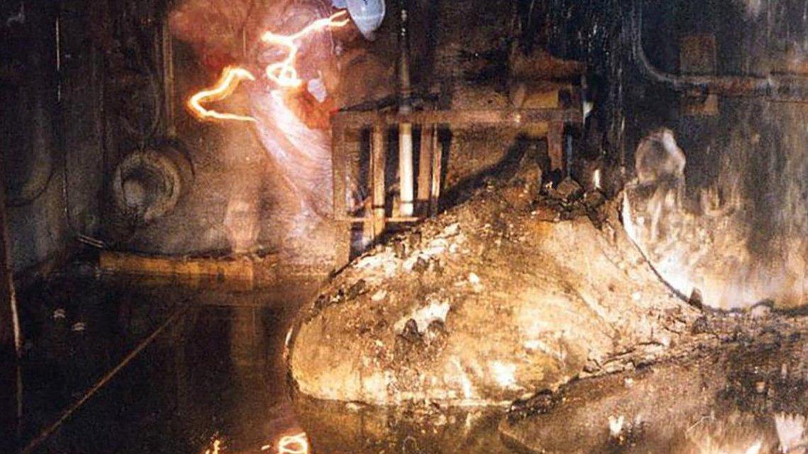"""O """"Pé de Elefante"""" de Chernobyl: o Monstro Nuclear que mata em 300 segundos."""