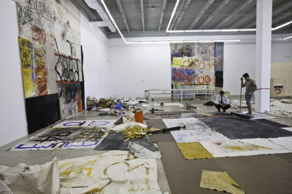 img-oscar-murillo-works-it-at-the-rubell-collection_140451175148.jpg_standalone