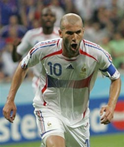 Zidane celebra