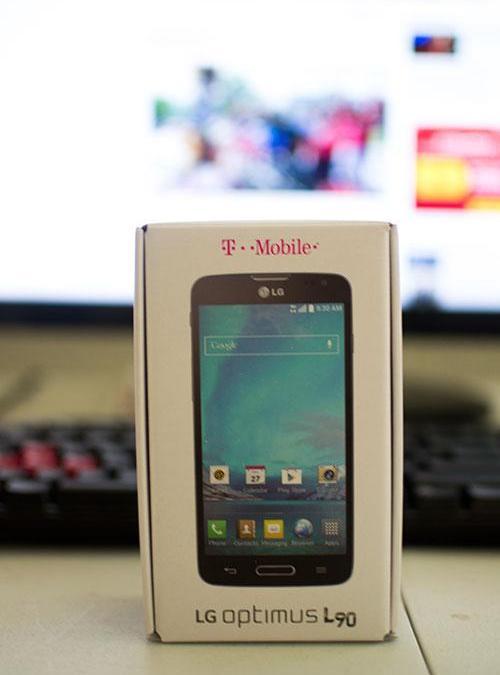 LG Optimus L90 Unboxing