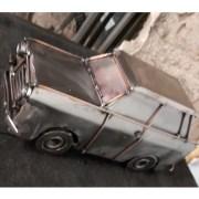 auta Sochy z kovu trabant