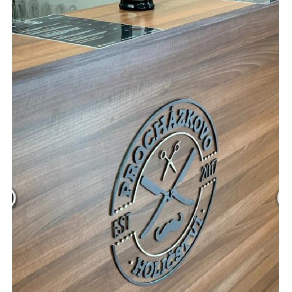 logo firmy ze dřeva Okamih