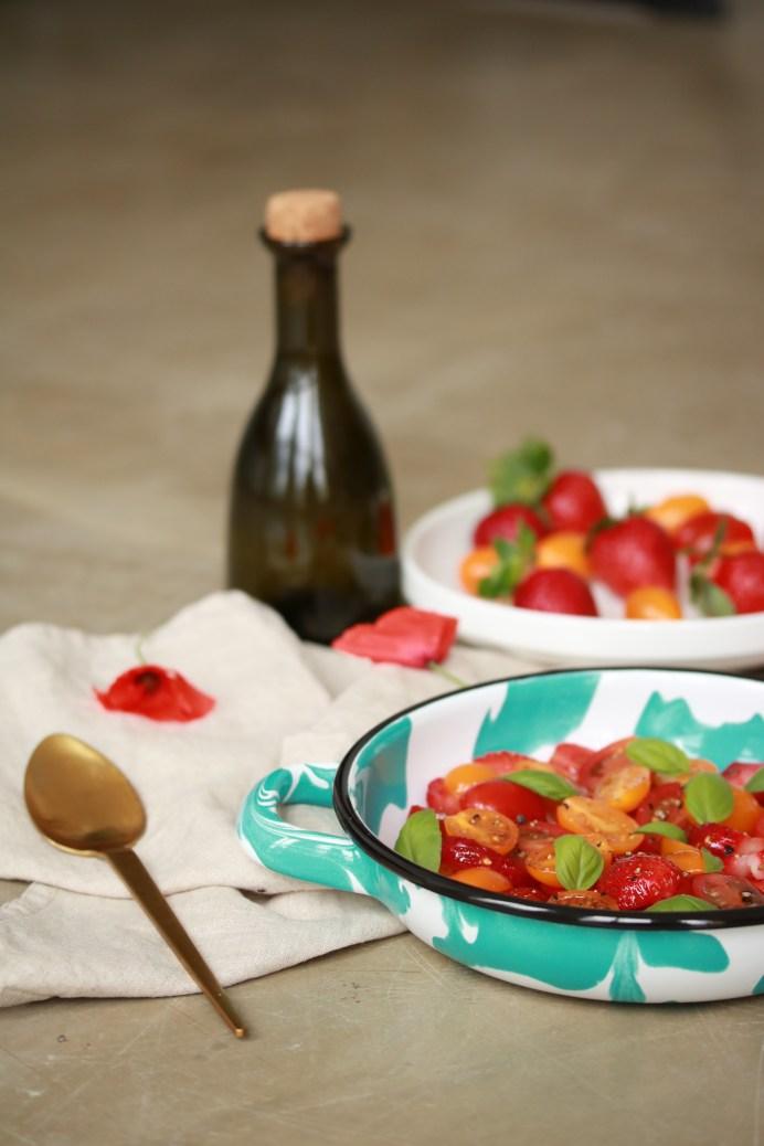 Salade de fruits fraise et tomates
