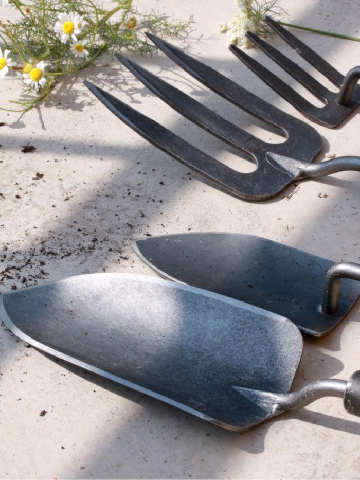 outils de jardinage éco-responsable, dewit fabriqué en Hollande, plantoir et rateau