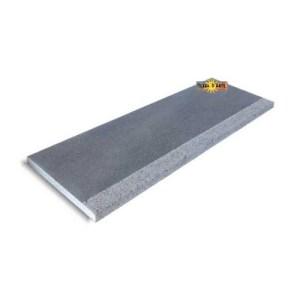 Soglia scala, porta in pietra lavica dell'Etna lucida con mezzo toro bocciardato spessori 2 e 3 cm.