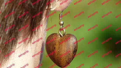 Making Jewelry Using Wood