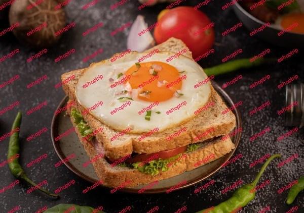Baking Bead As chef Bread Baking For Breakfast Sandwich