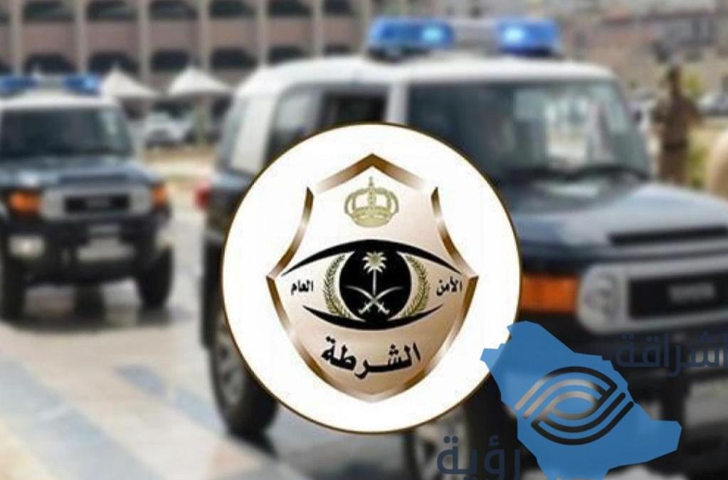 """"""" شرطة الرياض"""" القبض على 4 مواطنين اثر اعتدائهم على مندوب توصيل واتلافهم لمركبتين"""