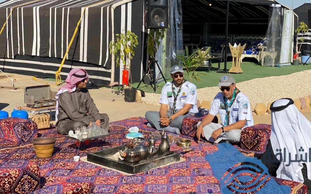 """نائب رئيس جمعية الكشافة يطلع علىتجهيزات وفعاليات معسكر """" همة جوال """" الخليجي"""