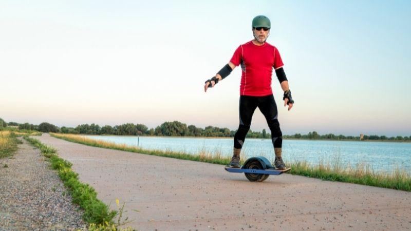 Wearing Safety Gear on Electric Sateboard