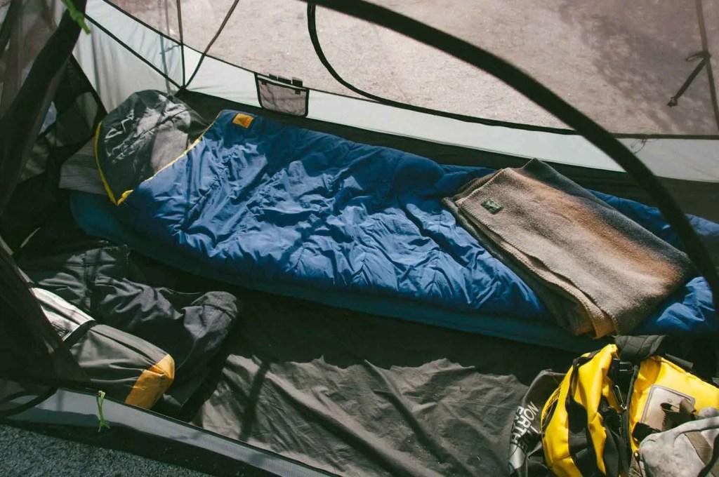 Kamp çadırı içi