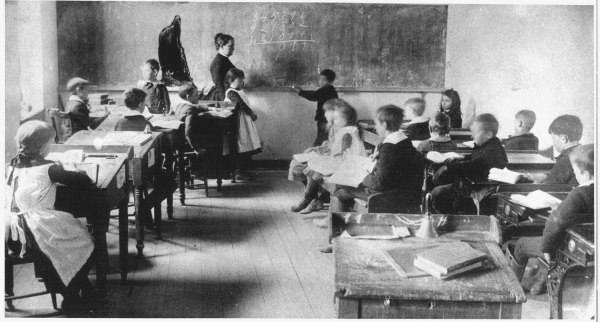 1900 School Classroom